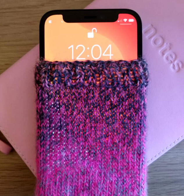iPhone 12 Mini knitted phone cover
