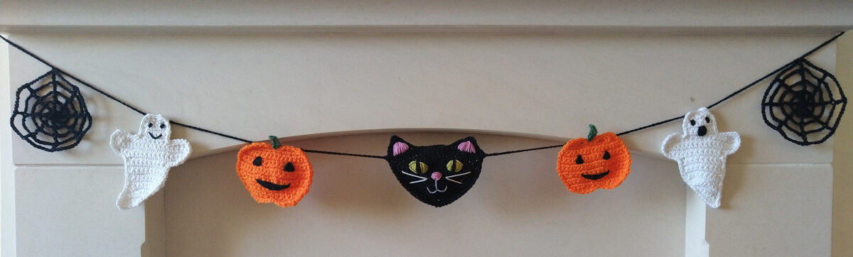 Halloween hanging garland