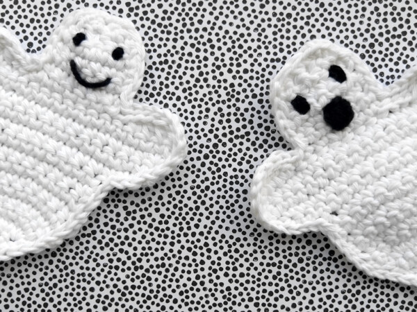 crochet cotton ghosts