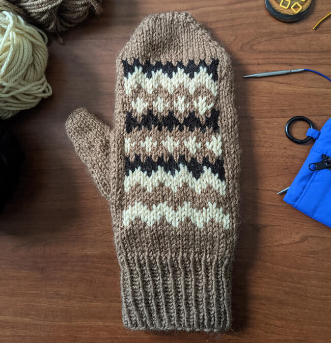 Photo of Grumpy Chic mittens knit by Snhought on Ravelry