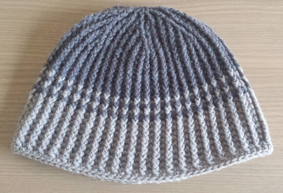 Reversible crochet hat for men